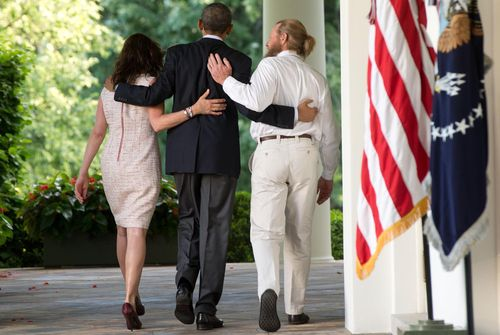 Barack_obama-_bob_bergdahl_and_jani_bergdahl-1