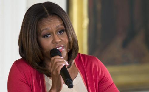 Michelle-obama-topeka-visit-1-700x466