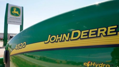 John-Deere-Logo-Tractor-Machinery