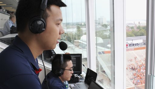 650169130152-Illinois_Chinese_Broadcasts_Football_20150919