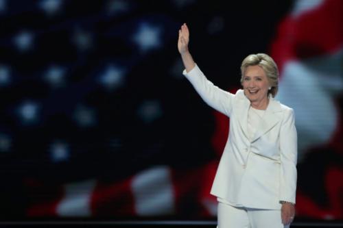Hillary-clinton-white-suit.w529.h352