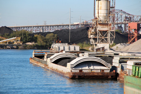 Chicago-petcoke-barges-455x304