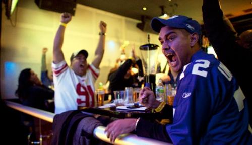 Fans-Cheering-Football