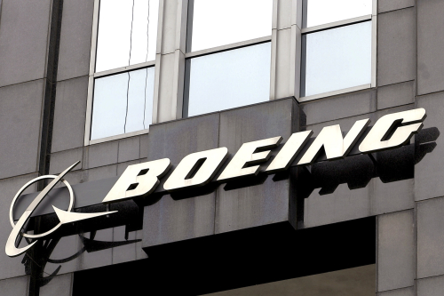 Boeing-cutting-workers