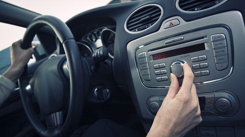 Car-radio-istock