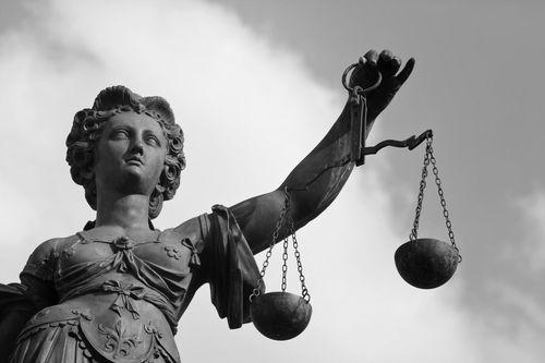 Ancient-Lady-Justice-statue-half-portrait_9284189-21