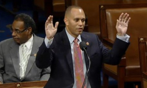 23AAEA3400000578-2857549-New_York_Rep_Hakeem_Jeffries_makes_the_hands_up_don_t_shoot_gest-8_1417531142112