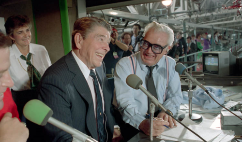 Ronald_Reagan_and_Harry_Caray_1988
