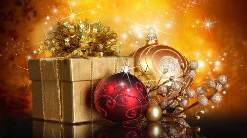 Hd-wallpaper-christmas-gifts-and-globes-wallpaper