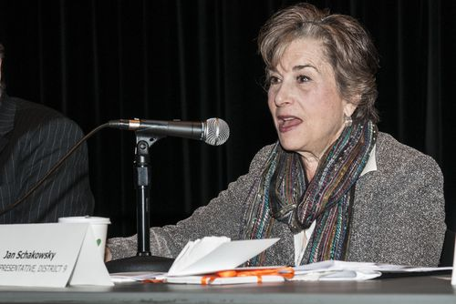 Jan-Schakowsky_by-Mitch-Canoff_DSC0165