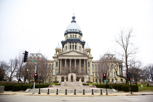 O-ILLINOIS-CAPITOL-BUILDING-facebook