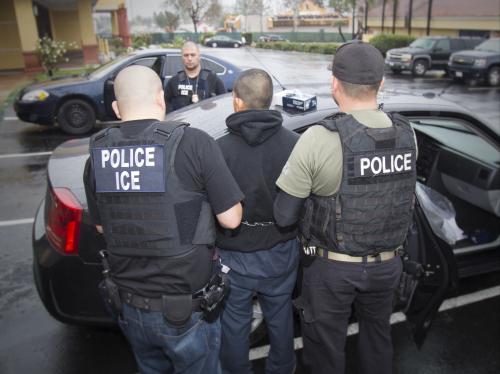 Ct-immigrants-trump-deportation-force-20170211