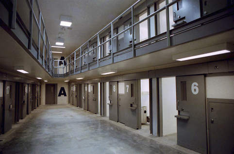 Thomson-Wing-A-of-Housing-Unit-1-in-the-1600-inmate-maximum-security-prison-in-Thomson-AP-PhotoSLASHThe-Dispatch-Todd-Mizener-File
